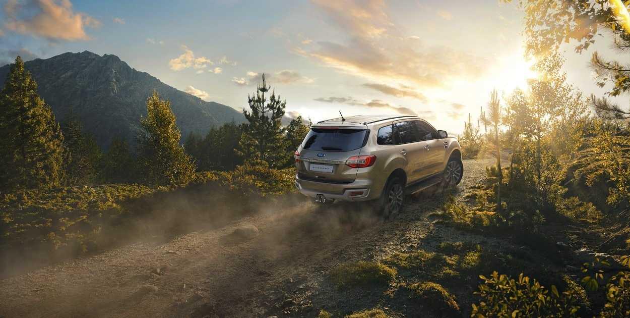 Giá Xe Ford Everest Titanium 4WD 2019 1