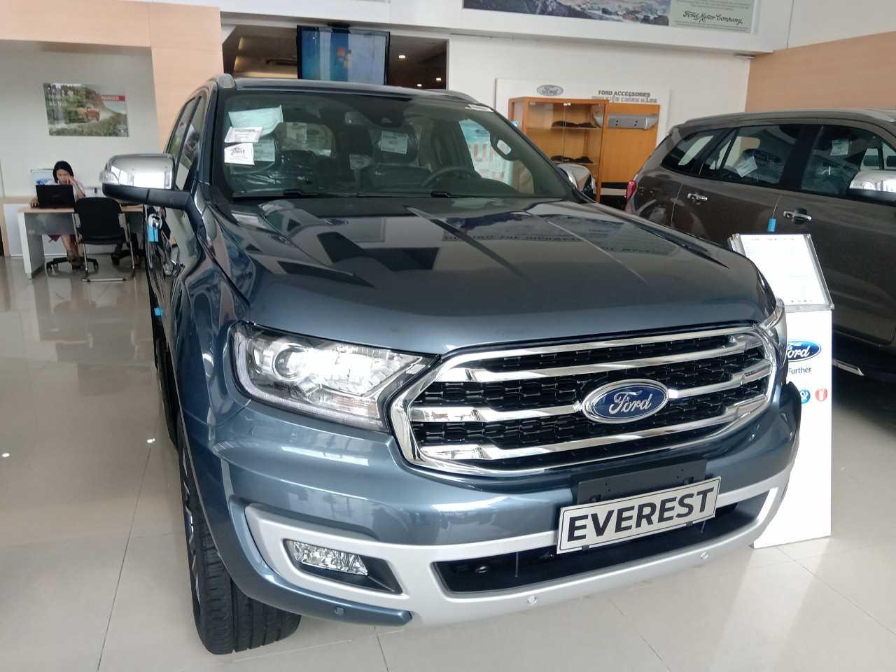 Giá Xe Ford Everest Titanium 4WD 2019