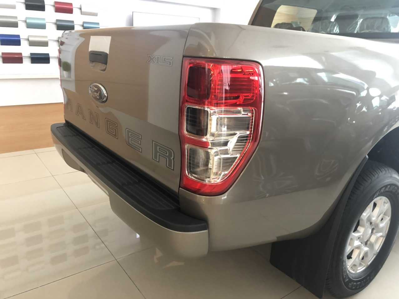 Đánh giá Ranger XLS số sàn 2020 nhập khẩu Thái Lan 9