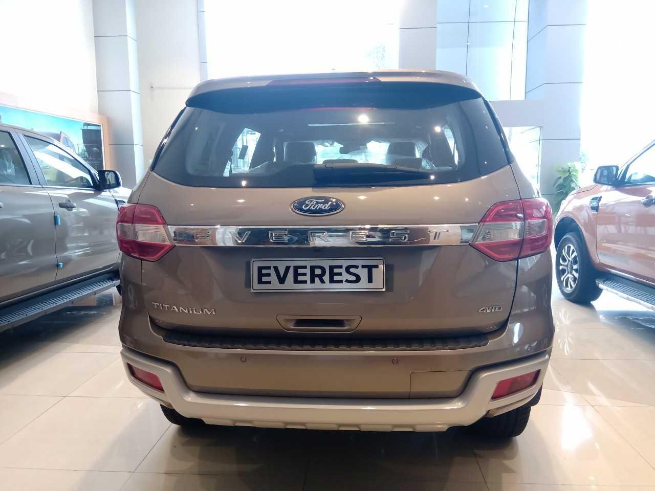 Giá lăn bánh Ford Everest 4x4 2020 ở Quảng Ninh 7